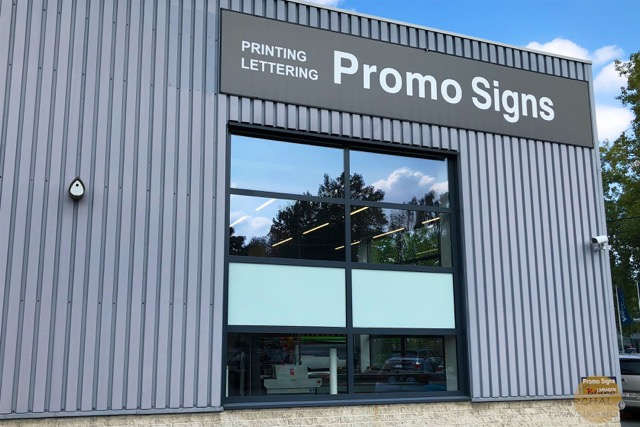 Nichoir Promo Signs 1 Plumalia
